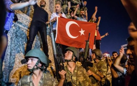 Turkish soldiers face a wall of opposition in the form of pro-Erdogan protestors. (Ozan Kose AFP)